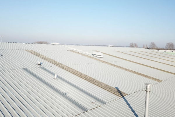Prolonging the roof life of a distribution facility